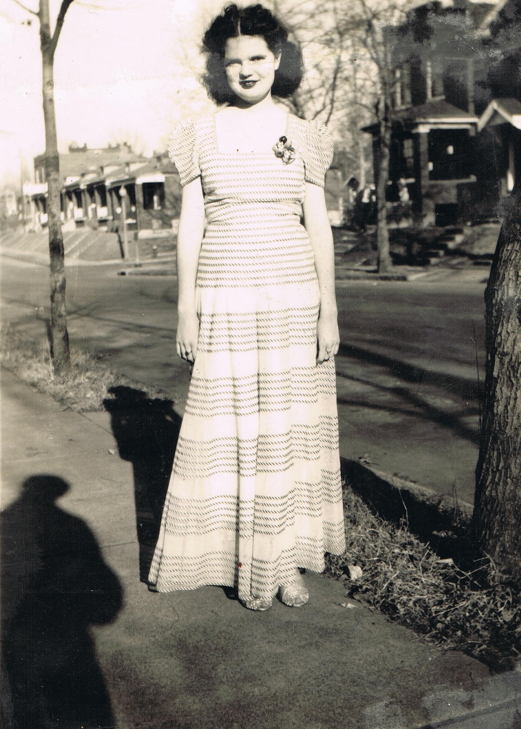 Montell Charree Scheben in March 1945